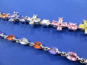 lady's fashion jewelry bracelet with cubic zirconia stones
