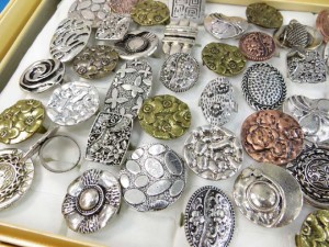 retro vintage fashion rings in antique silver, bronze and copper tone adjustable size, assorted designs randomly picked by our warehouse staffs