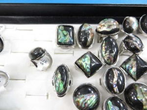 fashion jewelry rings with large resin and paua abalone shell inlayed size randomly pick between 6 to 10