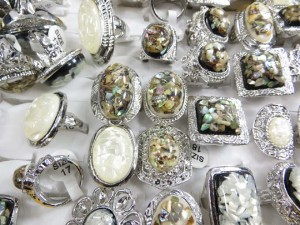 costume jewelry rings with white seashells, green paua shells abalone shells size randomly pick between 6 to 10