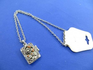 photo-locker-necklace-1a