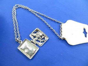 photo locker necklace with enamal flowers