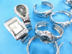rhinestone-bangle-watch-8b