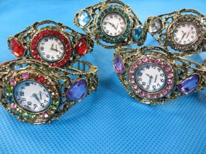 rhinestone-retro-bangle-watches-2b