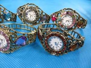 rhinestone-retro-bangle-watches-2c