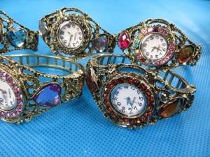 rhinestone-retro-bangle-watches-2c