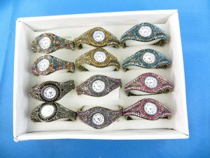 rhinestone-retro-bangle-watches-3a