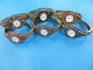 rhinestone-retro-bangle-watches-3b