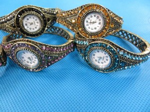 rhinestone-retro-bangle-watches-3d
