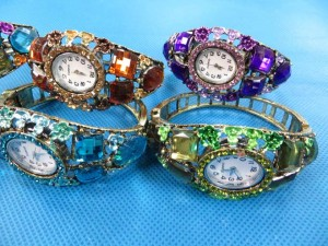 rhinestone-retro-bangle-watches-4d