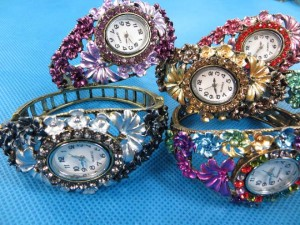 rhinestone-retro-bangle-watches-5c