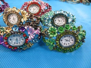 rhinestone-retro-bangle-watches-5d