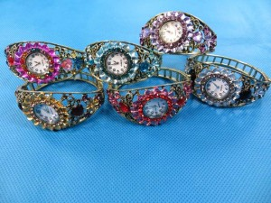 rhinestone-retro-bangle-watches-6b
