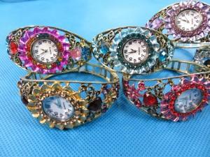 rhinestone-retro-bangle-watches-6c