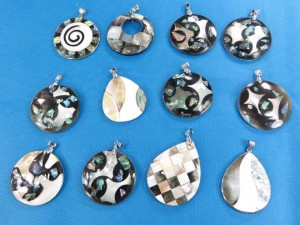 seashell-mosaic-pendants-1a