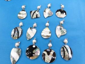 seashell-mosaic-pendants-2a