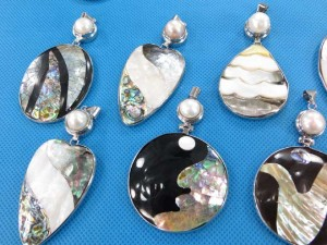 seashell-mosaic-pendants-2b