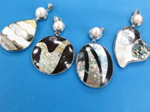 seashell-mosaic-pendants-2c