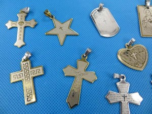stainless-steel-cross-pendants-2b