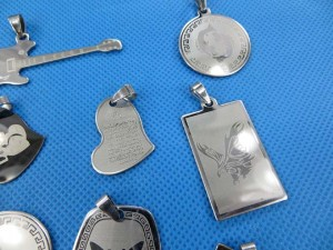 stainless-steel-pendants-1c