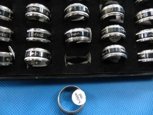 black design stainless steel spinner band rings randomly picked size between 6 to 11