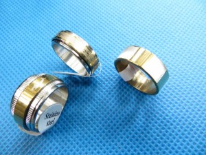 mixed stainless steel rings in silver and gold tone randomly picked size between 6 to 11