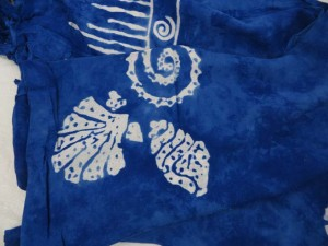 monocolor blue sarong screen printings with leaves, sun, dolphin, seashell, palm leaves etc tropical designs