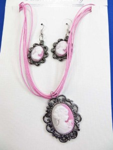 cameo lady vintage style earring and necklace jewelry set