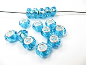Faceted-acrylic-rhinestone-bead-03a