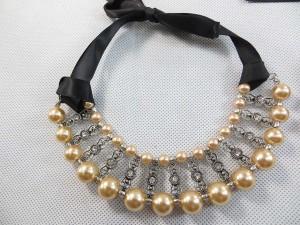 faux-pearl-ribbon-choker-2b