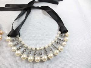 faux-pearl-ribbon-choker-2c