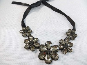 giant-daisy-ribbone-necklace-choker-1b