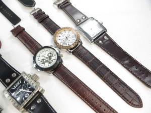 large-face-leather-band-watch-2b