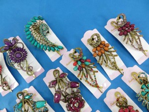antique style retro vintage hair clips with crystal rhinestone