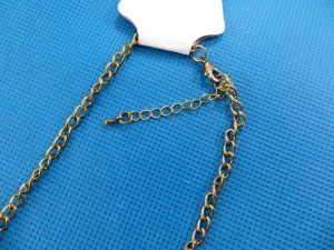 bib-necklaces-gold-tone-1g
