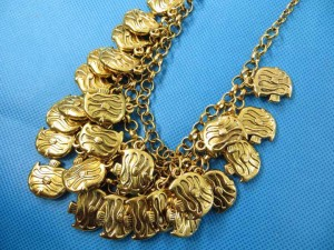 bib-necklaces-gold-tone-1l