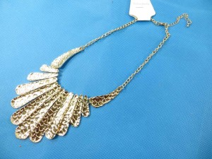 bib-necklaces-silver-tone-2e