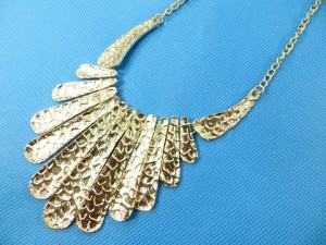 bib-necklaces-silver-tone-2f