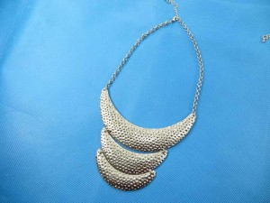 bib-necklaces-silver-tone-2h