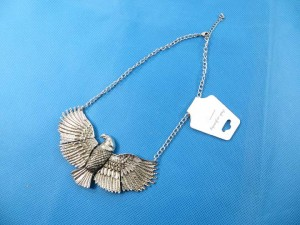 bib-necklaces-silver-tone-2k
