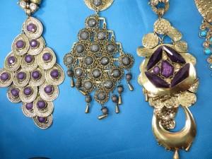 chuncky-vintage-retro-necklaces-20aa