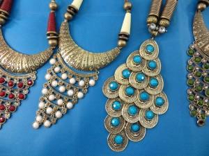 chuncky-vintage-retro-necklaces-20j