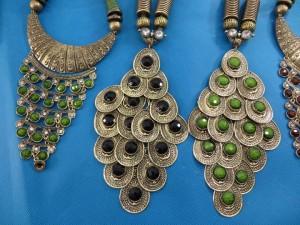 chuncky-vintage-retro-necklaces-20l