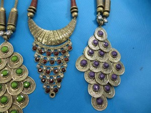 chuncky-vintage-retro-necklaces-20m