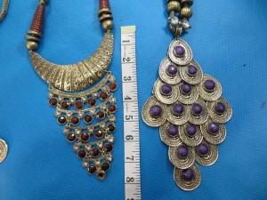 chuncky-vintage-retro-necklaces-20p