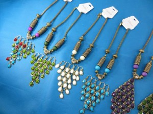 chuncky-vintage-retro-necklaces-20q