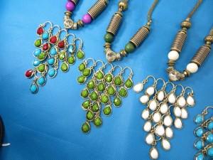 chuncky-vintage-retro-necklaces-20r