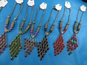 chuncky-vintage-retro-necklaces-20t