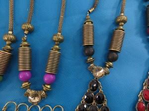 chuncky-vintage-retro-necklaces-20w