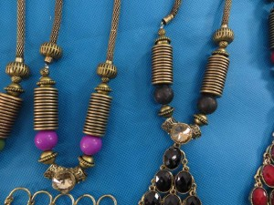 chuncky-vintage-retro-necklaces-20w